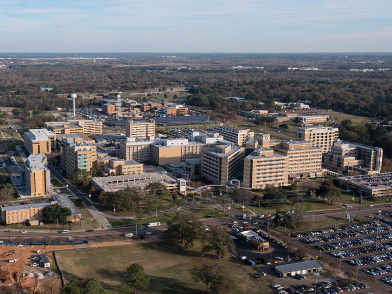The affiliation will allow UMMC to expand the educational training programs for Mississippi practitioners by placing medical residents and fellows at Anderson Regional.
