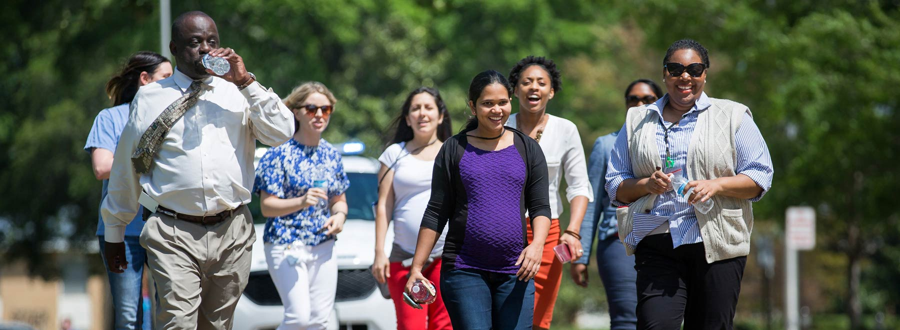 UMMC faculty and staff walking to improve health