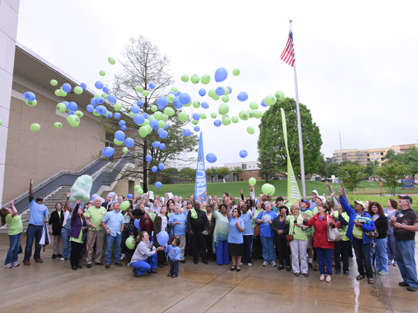 The launching of blue balloons signifying organ recipients and green balloons representing their donors was a touching finale to the Legacy Lap.