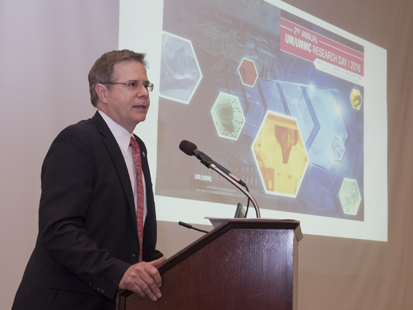 Vitter delivered the feature keynote address at Research Day.